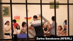 Главное требование «Ныхас» и «Единства народа» – аннулировать результаты голосования на двух избирательных участках во Владикавказе