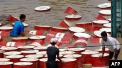 بحران صنعت نفت اندونزی در این سال ها همواره عمیق تر شده است. عکس از AFP از شهر جاکارتا