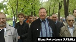 Геннадий Гудков на оппозиционном марше в Москве, 13 мая 2012