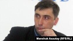 Құқық қорғаушы Вадим Курамшин. 16 наурыз 2011 жыл.