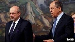 ЕҚЫҰ бас хатшысы Ламберто Занньер мен Ресей сыртқы істер министрі Сергей Лавров.