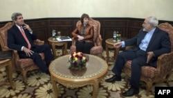 Օման - ԱՄՆ պետքարտուղար Ջոն Քերրիի, ԵՄ արտաքին քաղաքականության հարցերով նախկին բարձր ներկայացուցիչ Քեթրին Էշթոնի և Իրանի ԱԳ նախարար Ջավադ Զարիֆի հանդիպումը Մուսքաթում, 10-ը նոյեմբերի, 2014թ․