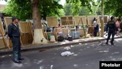 «Вернисаж» в Ереване