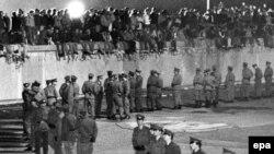 Berlin divarının dağıdılmasından 25 il ötür