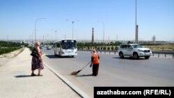 Aşgabat: Aziadanyň öňüsyrasynda 200 täze awtobus gatnap başlady