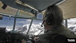 В Кодорском ущелье растет напряженность. Как сообщается, грузинские военные заметили самолет АН-2, пролетавший над территорией верхней части Кодорского ущелья. 11 июля 2008