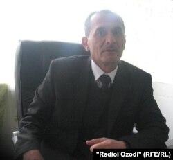 Абдусамад Иброҳимов, мудири мактаби рақами 3-и шаҳри Қӯрғонтеппа