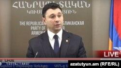 Hakim partiyanın sözçüsü Eduard Şarmazanov