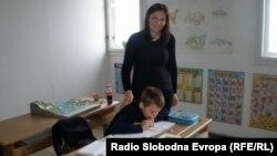Učiteljica Goca u učenik Simon, foto: Danica Gudurić
