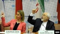 محمد جواد ظریف در کنار فدریکا موگرینی، مسئول سیاست خارجی اتحادیه اروپا