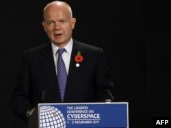 Уильям Хейг выступает на конференции в Лондоне, 1 ноября 2011