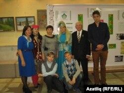 Татарлар конгресс кунаклары белән