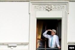 Джон Керрі під час перерви у переговорах, 1 квітня 2015 року