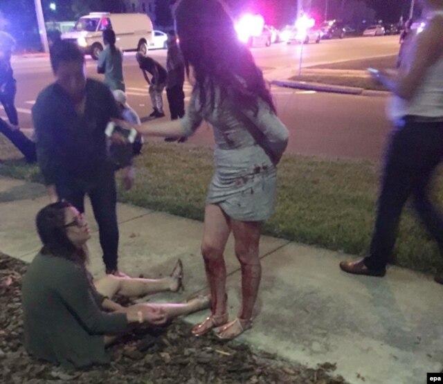 На месте стрельбы в Орландо, фотография очевидца