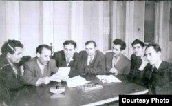 Soldan: Əhəd Hüseynov, Salam Qədirzadə, Nəbi Xəzri, Vidadi Babanlı, Aslan Aslanov, Əli Kərim, İsa Hüseynov