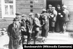 Арест евреев литовскими националистами
