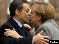 Predsjednik Francuske Nicolas Sarkozy i njemačka kancelarka Angela Merkel