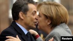 Президент Франции Николя Саркози и канцлер Германии Ангела Меркель