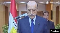 عمر سليمان يعلن تنحي مبارك في 11شباط2011