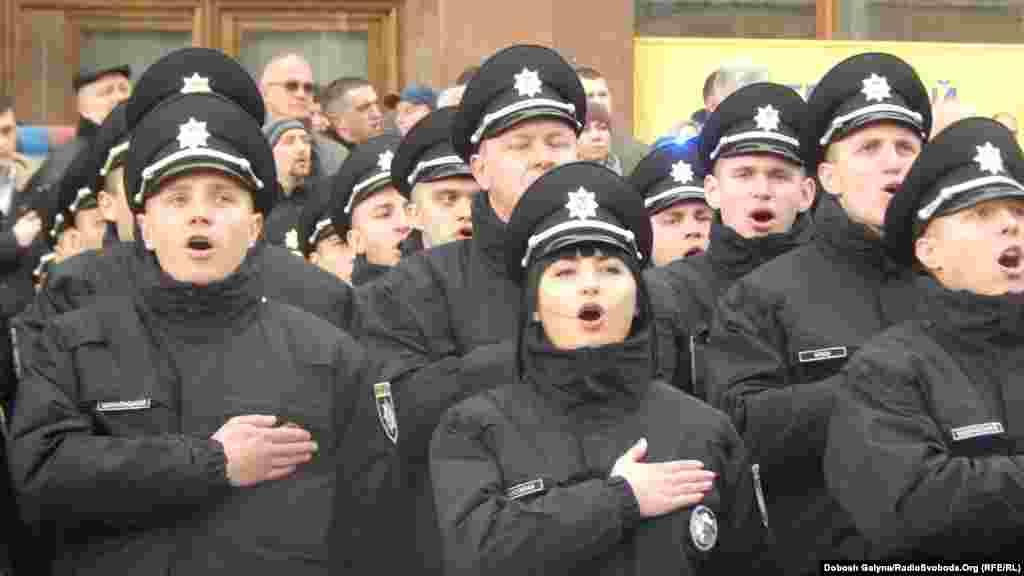 Особлива мить – лунає гімн України