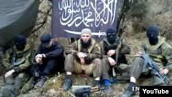 Солтүстік Кавказдағы «Кавказ әмірлігі» исламшыл экстремистік тобының видеосынан скриншот.