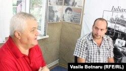 Anatol Țăranu și Cornel Ciurea în studioul Europei Libere