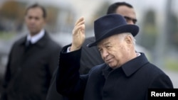 Узбекские предприниматели обеспокоены тем, что Мирзияев втихую отменяют приватизацию гособъектов, осуществленную при его предшественнике Каримове.