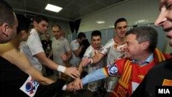 Претседателот Ѓорге Иванов им ја честита победата на ракометарите кои во Белград ја совладаа Полска со 27-25 на ЕП во Србија.