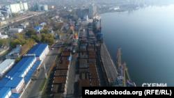 Миколаївський морський торговельний порт входить до трійки найбільших українських портів за обсягами переробки вантажів
