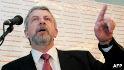 Оппозициялық саясаткер Александр Милинкевич.