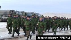 Учения кыргызских резервистов в Баткенской области, 20 января 2014 года.