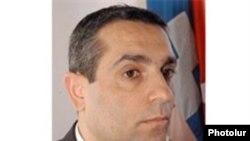 Մասիս Մայիլյան, արխիվային լուսանկար