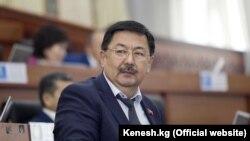 Алмазбек Токторов.