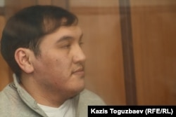 Кайрат Айтбаев, главный фигурант по делу о гибели от полученных увечий полицейского Адлета Турсынбекова. Алматы, 9 октября 2013 года.