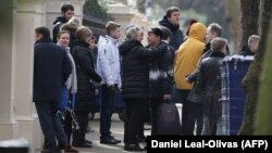 Protjerane diplomate napuštaju London