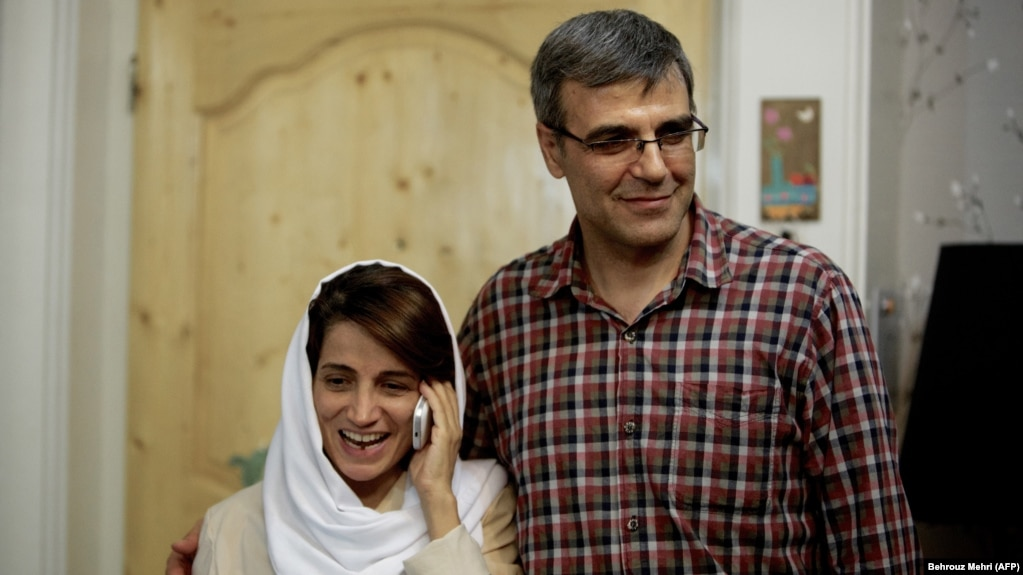 Rez Khandan with his wife, Nasrin Sotoudeh, in Tehran in 2013