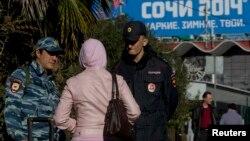 Оьрсийчоь - Олимпиадан майданашкахула лела нах толлуш ю полици, Сочи, 10Чил2014