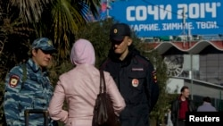 Полицейские патрулируют Сочи