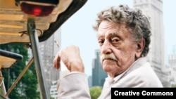 Kurt Vonnegut (1922 – 2007)