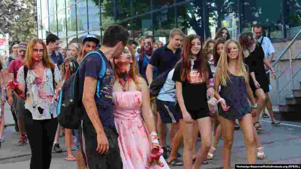 Зомбі також вміють кохати