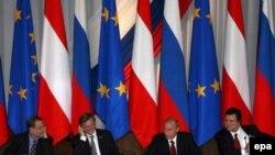 Российские политики считают подписанные в Сочи соглашения - шагом к безвизовому режиму с ЕС