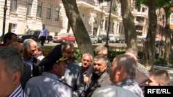İran səfirliyi yaxınlığında aksiya