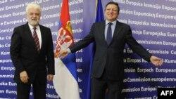 Kryetari i Komisionit Evropian (djathtas), Hose Manuel Baroso, dhe kryeministri i Serbisë, Mirko Cvetkoviq. Bruksel, 31 janar 2011