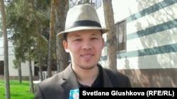 Азаматтық белсенді, «Шаңырақ» ұйымының жетекшісі Махамбет Әбжан. Астана, 8 мамыр 2014 жыл.