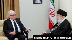 علی خامنهای، رهبر جمهوری اسلامی، در تهران با فواد معصوم، رئیس جمهور عراق دیدار کرد.