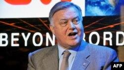 """Владимир Якунин, глава компании """"Российские железные дороги"""", участвуют в дебатах на телеканале CNN. Санкт-Петербуррг, 20 июня 2013 года. Иллюстративное фото."""