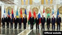 Групавое фота з апошняга саміту СНД у Менску