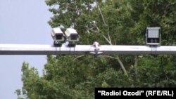 Дүйшөмбүнүн көчөсүндөгү видео камералар. Тажикстан. 2013-жыл.