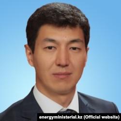 Азамат Оморов.
