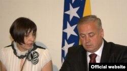 Irena Hadžiabdić i Suad Arnautović, Izborna komisija BiH, 2010.